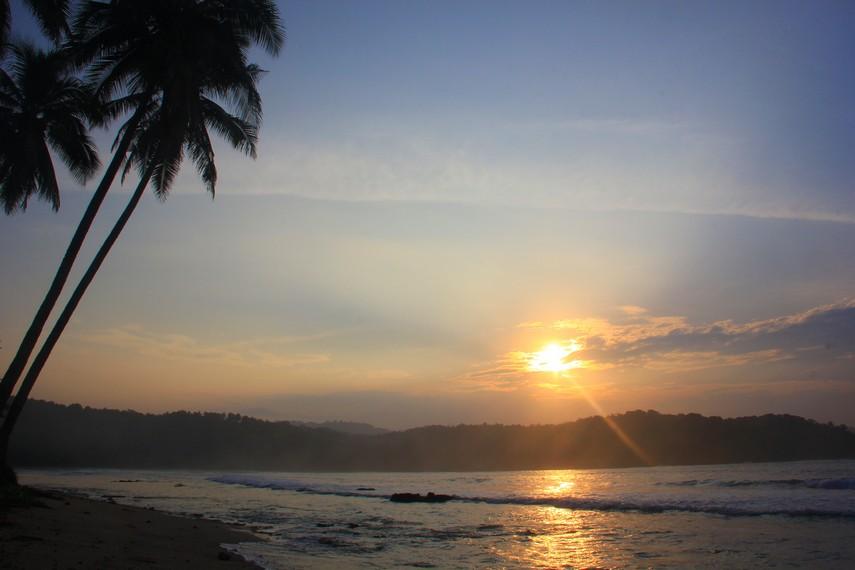Nama Pantai Karang Bereum secara harfiah memiliki arti karang yang merah