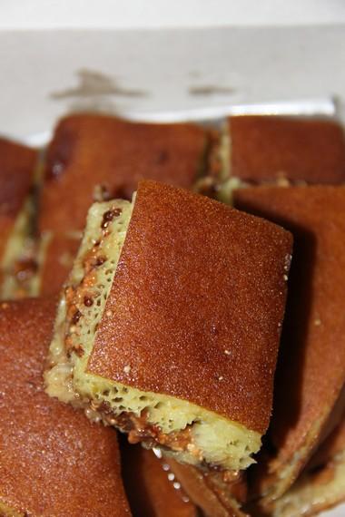 Martabak manis isi kacang cokelat menjadi salah satu martabak yang paling digemari pembeli di Martabak Acau 89