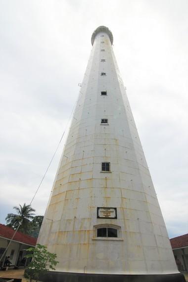 Mercusuar yang memiliki ketinggian sekitar 52 meter ini dibangun pada tahun 1882