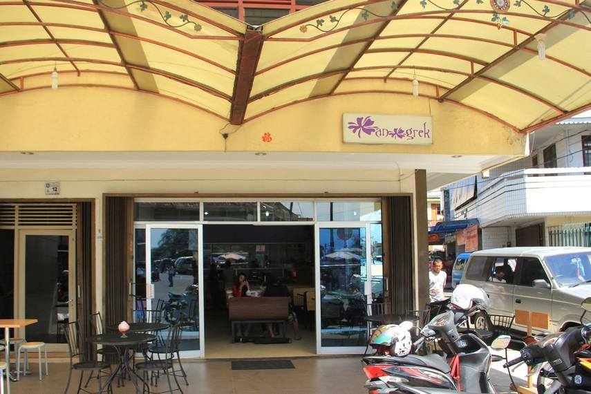 Resto Anggrek yang ada di Pangkalpinang, Bangka, menyediakan es kacang merah yang sangat lezat