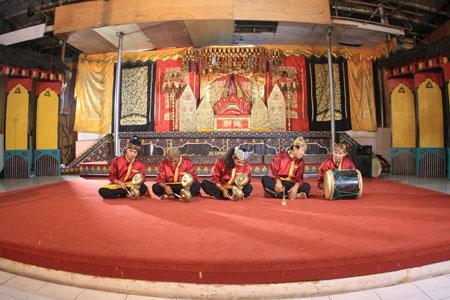 Pertunjukkan musik Talempong Pacik