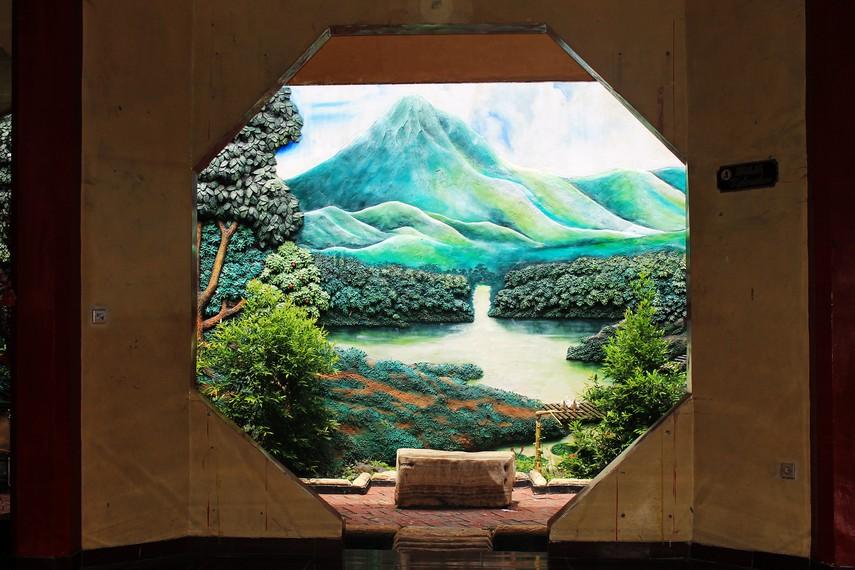 Boen San Bio berarti kebajikan setinggi gunung