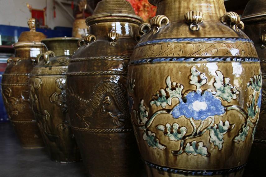 Setidaknya ada 45 item jenis keramik yang diproduksi oleh para pengrajin di Desa Sakok