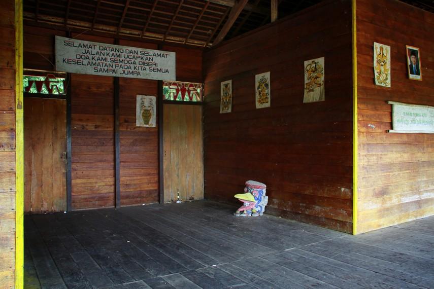 Rumah Bahtang (bentang) diresmikan pendiriannya pada 27 April 1996 oleh Bupati Sambas saat itu