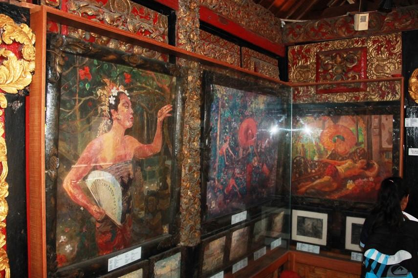 Ni Pollok menjadi salah satu sumber inspirasi utama lukisan Le Mayeur saat ia menetap di Bali