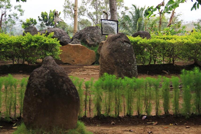 Situs ini munculnya pada abad ke-10, bergantian dengan munculnya Candi Borobudur di abad ke-9