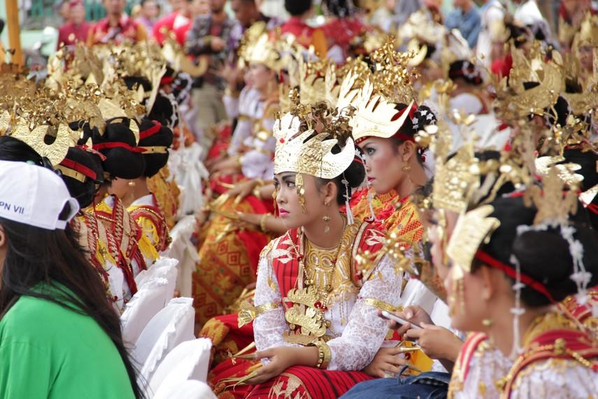 Para pendukung yang ikut memeriahkan Festival Krakatau
