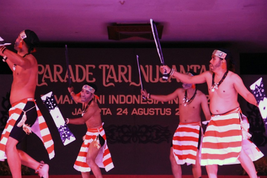 Tari Cakalele menyimbolkan semangat juang prajurit kesultanan Ternate