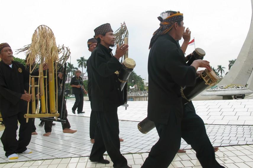 Angklung buhun merupakan benda pusaka yang hanya digunakan dalam ritual adat
