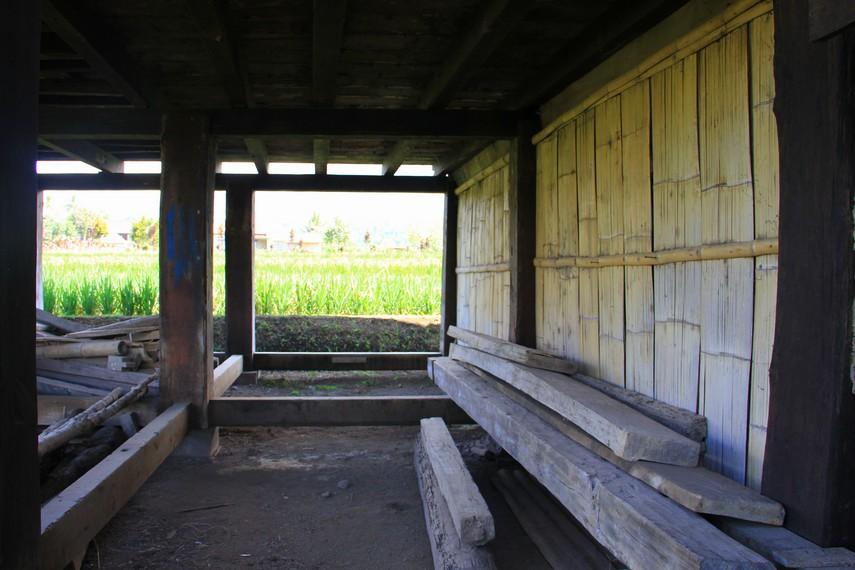 Ciri khas lain pada rumah baghi adalah, sejak awal, rumah baghi dibuat tidak menggunakan jendela