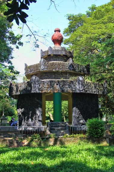 Kawasan Bukit Siguntang kerap menjadi salah satu destinasi wisata sejarah dan budaya yang banyak dikunjungi di Palembang