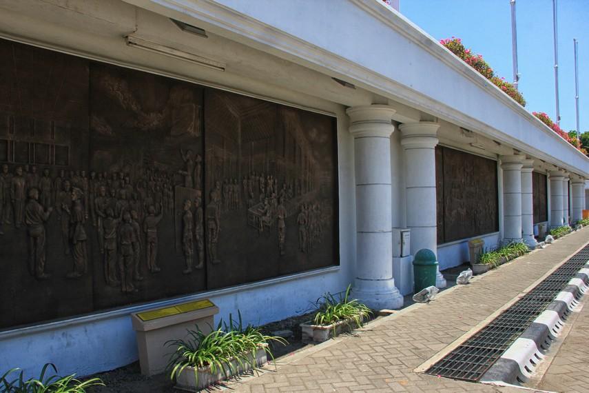 Diorama yang menggambarkan pengorbanan pahlawan tak dikenal yang turut serta dalam pertempuran mengusir penjajah datang kembali ke Indonesia