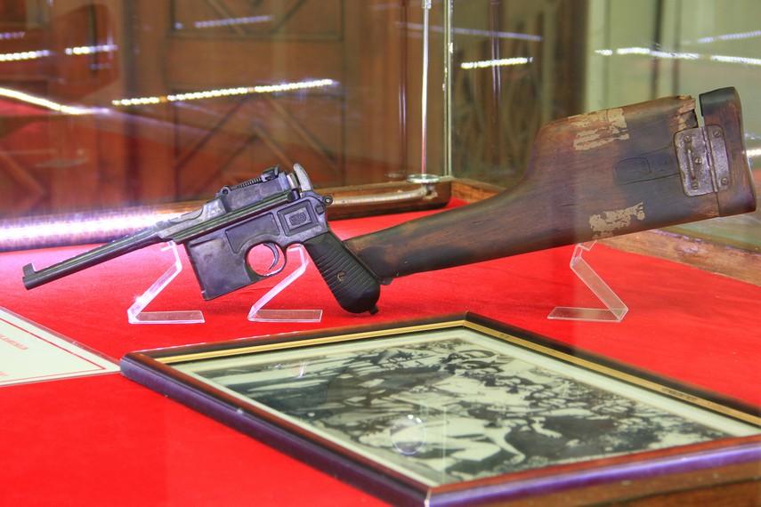 Tidak hanya foto dokumentasi, di museum ini juga terdapat koleksi senjata yang digunakan pada masa penjajahan