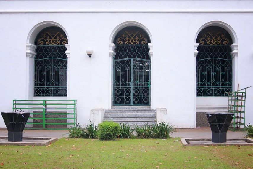 Nama tersebut merujuk pada pembangunan masjid yang diketuai dan dikelola secara langsung oleh Sultan Mahmud Badaruddin Jaya Wikramo