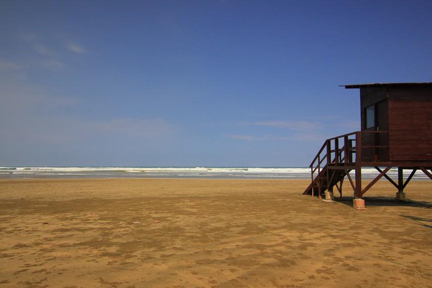 Tekstur pasir di Pantai Bagedur yang padat dikarenakan terdapat kandungan mineral yang menguatkan pasir sehingga menjadi lebih keras