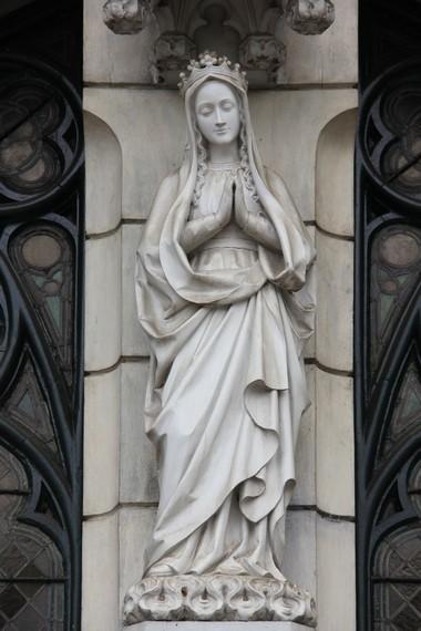 Gereja Katedral menyimpan berbagai benda peninggalan Pastor Nelissen sebagai prefek apostik Hindia Belanda