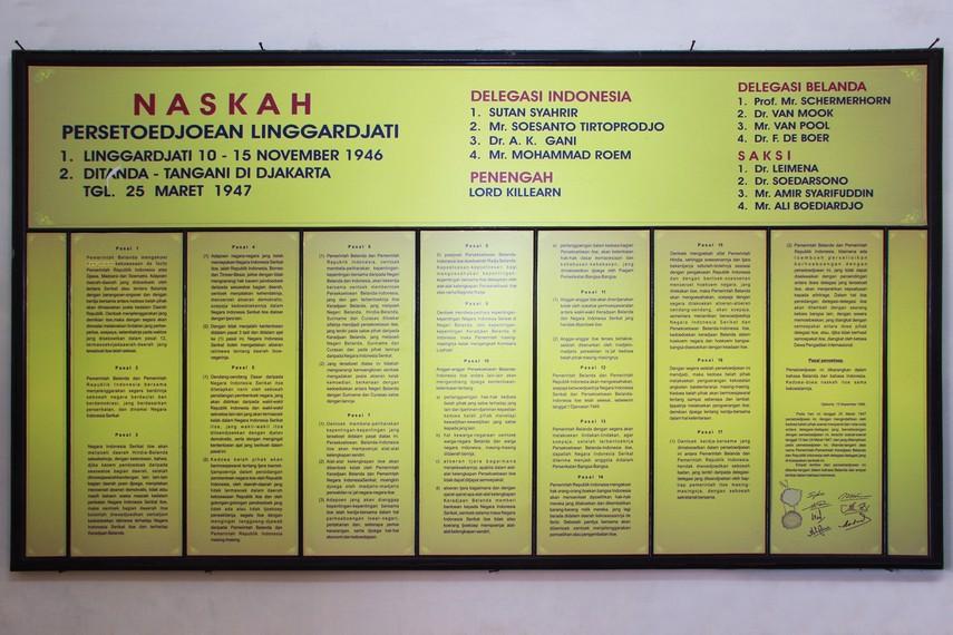 Perundingan Linggarjati menghasilkan naskah Perjanjian Linggarjati yang disepakati di Jakarta pada 15 November 1946
