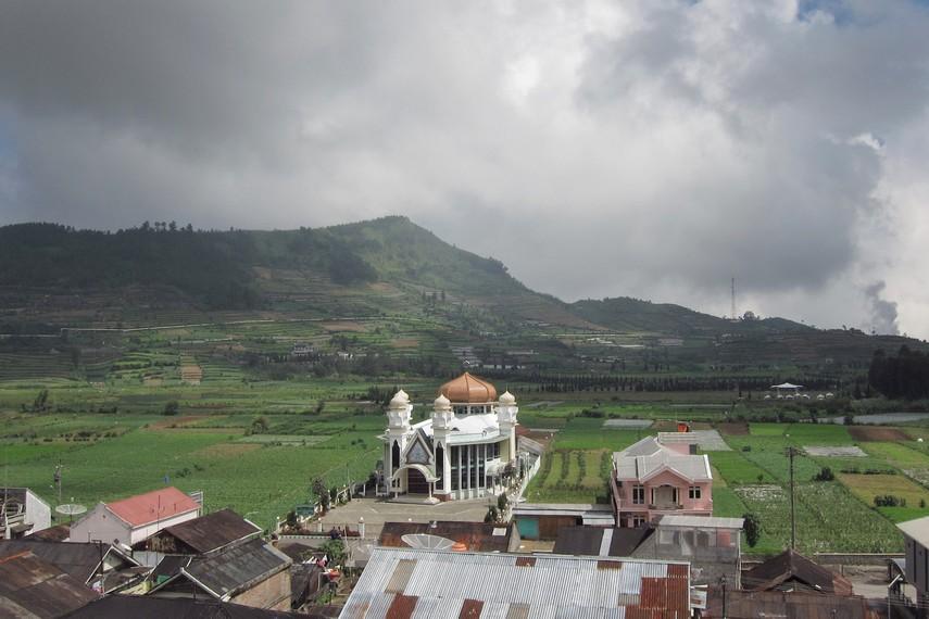Siti Hinggil menjadi tempat favorit keluarga kerajaan melihat keindahan panorama Dataran Tinggi Dieng