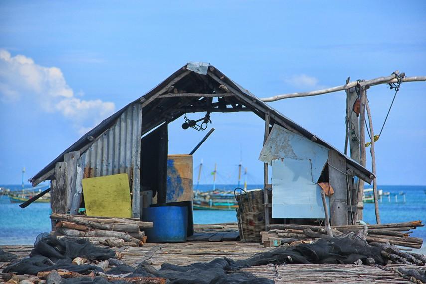 Tempat menimbang hasil tangkapan nelayan setelah hampir seharian pergi ke laut untuk mencari ikan