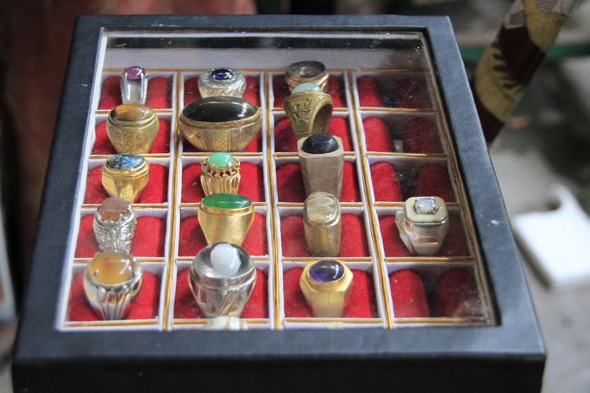Aneka cincin yang dapat dijadikan souvenir bagi keluarga di rumah bisa Anda dapatkan di Kotagede