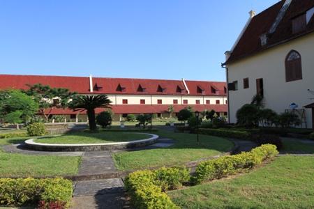 Bagian depan benteng Fort Rotterdam