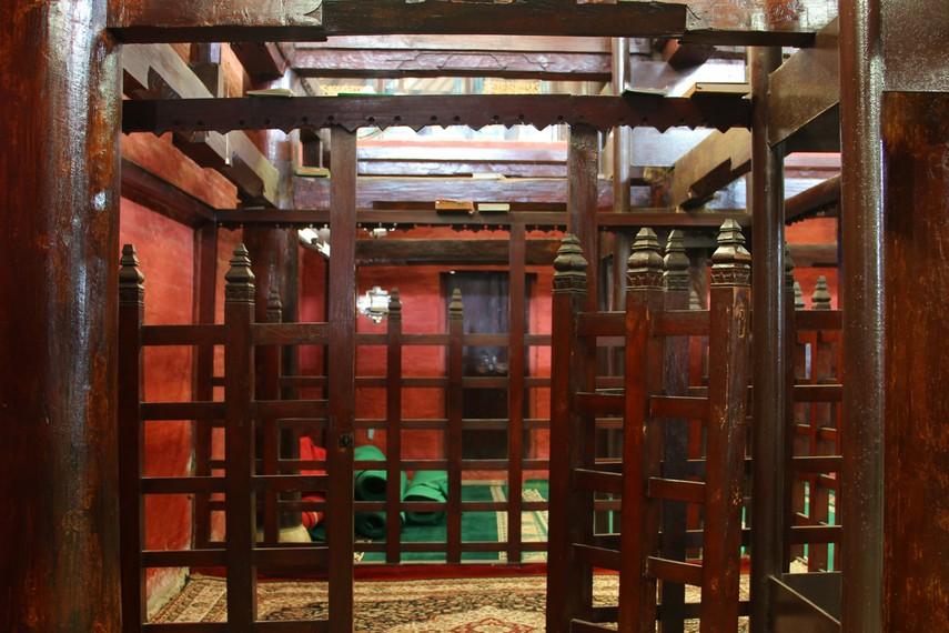 Maskurah menjadi tempat yang diperuntukan untuk keluarga keraton di dalam masjid