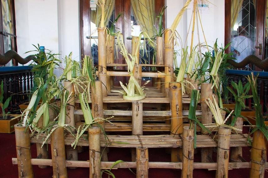 Balai bambu bertingkat tiga yang berfungsi sebagai singgasana Sultan dalam upacara beluluh