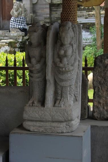 Salah satu koleksi arca yang dipamerkan adalah replika pratima dari Pura Pucak Penulisan Kintamani
