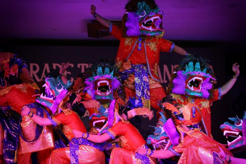 Topeng naga merupakan simbol yang digunakan untuk menyampaikan pesan keberagaman masyarakat Bagan Siapi-api