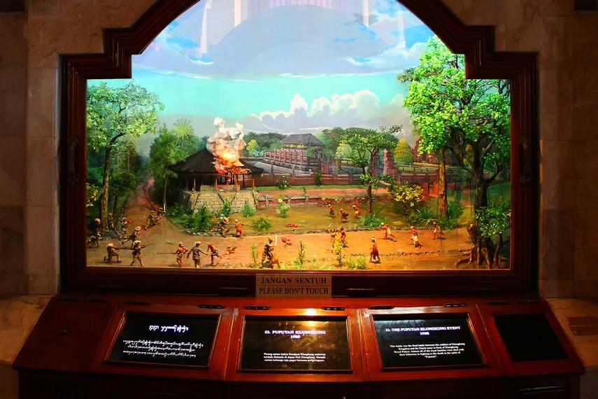 Salah satu diorama yang mengisahkan peristiwa Puputan Klungkung 1908