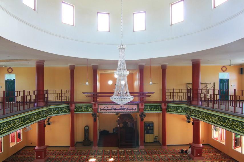 Interior masjid Cheng Ho sangat erat dengan kebudayaan Tionghoa