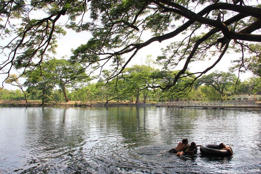 Ranu Ronggojalu juga mempunyai fungsi estetis sebagai salah satu objek wisata alam di Pasuruan