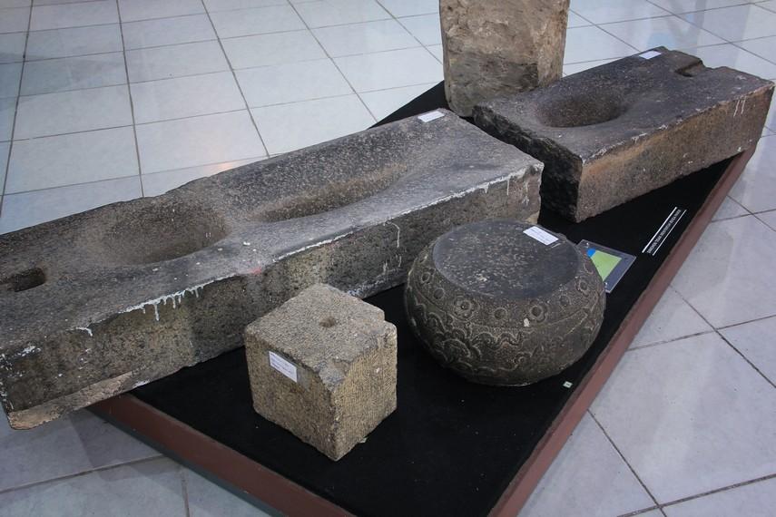 Benda-benda peninggalan dari Kesultanan Banten dapat kita lihat di Museum Situs Kepurbakalaan Banten Lama