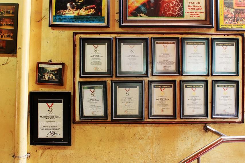 Klenteng Boen San Bio pernah beberapa kali mencatatkan rekor nasional, salah satunya thian sin lo terberat