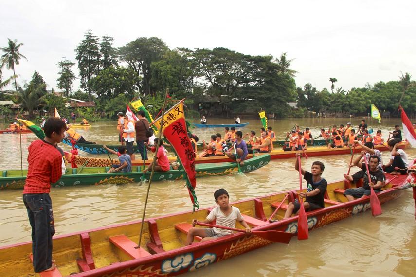 Lomba perahu naga sudah mengakar dan menjadi tradisi masyarakat Tangerang setiap perayaan pehcun