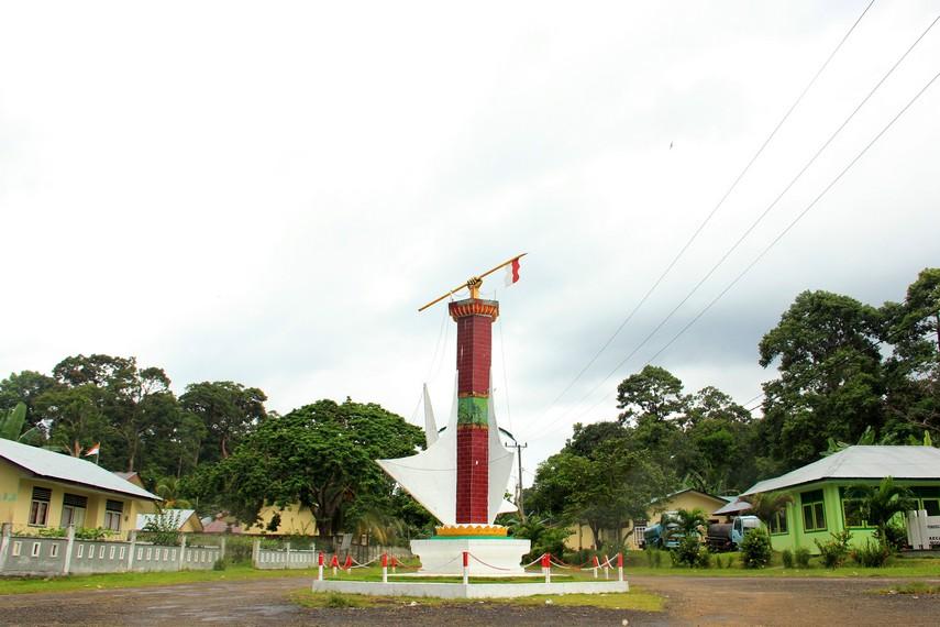 Monumen Perjuangan Rakyat menjadi salah satu monumen kebanggaan warga Selat Nasik