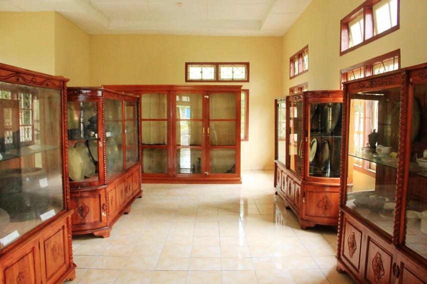 Salah satu sudut ruang Museum Badau yang terletak di Jalan Abdul Rahman No. 1 Badau