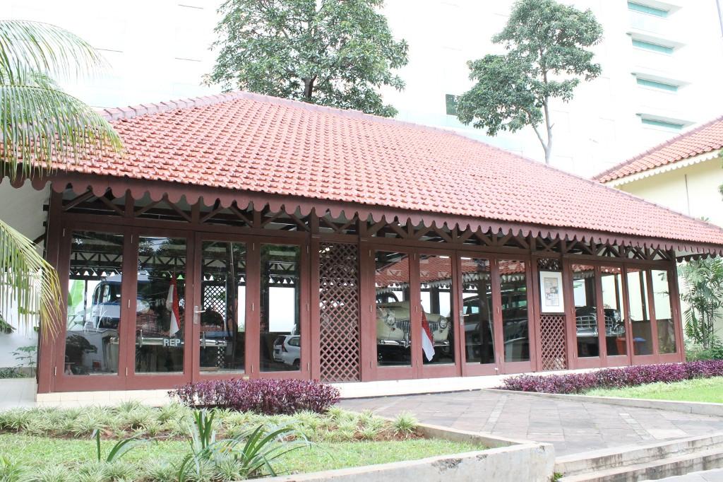 Koleksi mobil antik yang digunakan Presiden Sukarno