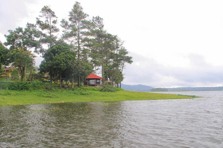 Luas Waduk Darma mencapai 437 hektar dan digunakan Perusahaan Daerah Air Minum untuk pasokan air bersih