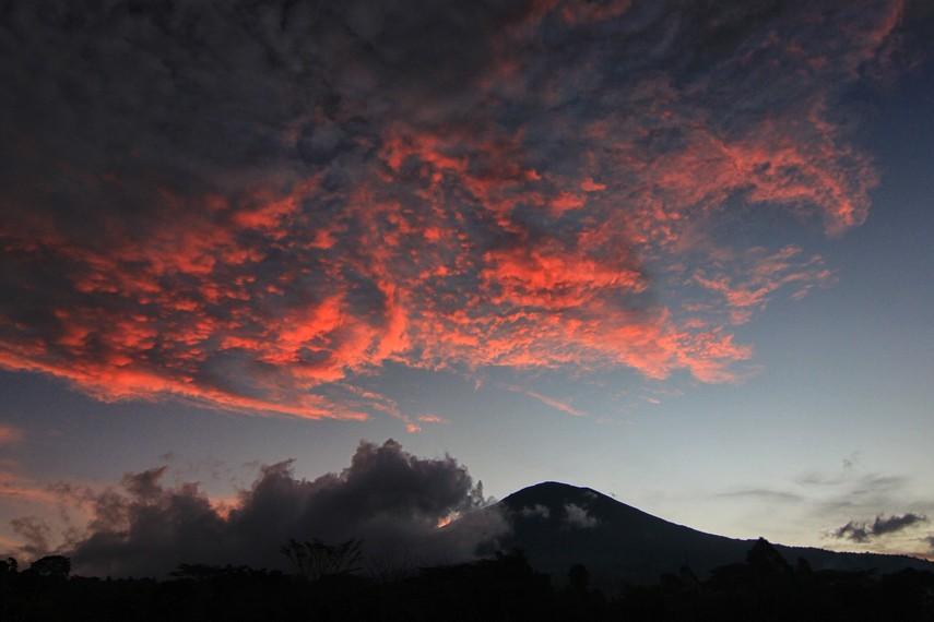 Kawasan Gunung Dempo menjadi salah satu destinasi wisata alam yang menjadi favorit warga di Palembang
