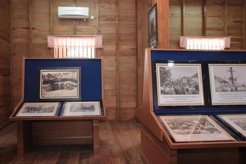 Salah satu ruang yang memamerkan foto-foto festival tabuik selama bertahun-tahun penyelenggaraannya