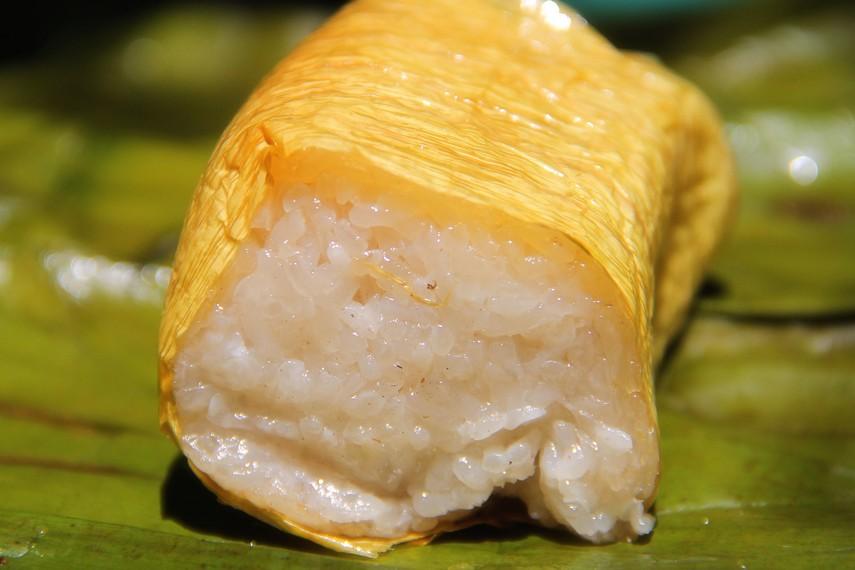 Varian lamang yang paling sederhana adalah lemang dari beras ketan putih