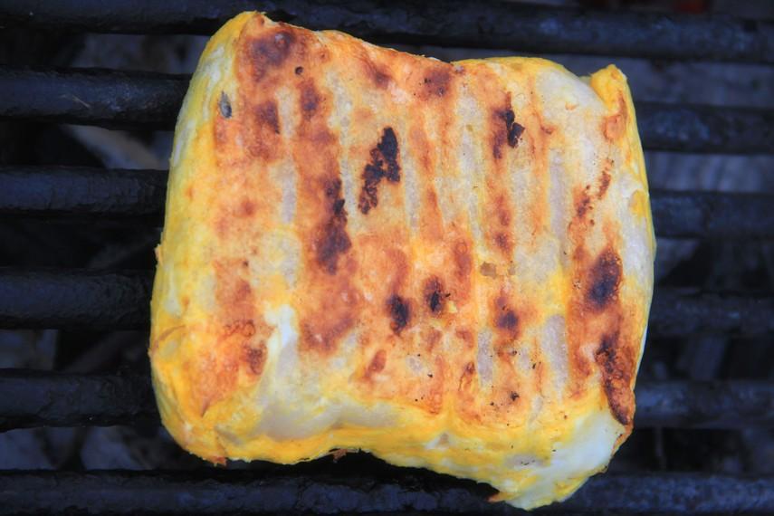 Pamor lenggang sebagai kuliner tradisional Palembang memang masih kalah dengan mpek-mpek. Meski demikian, rasa lenggang tidak kalah enak dengan mpek-mpek