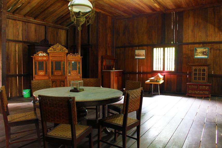 Rumah Limas sebagai rumah tradisonal kini sudah jarang digunakan oleh masyarakat Palembang
