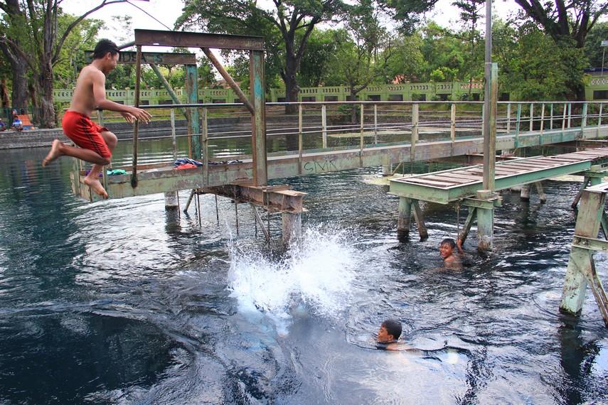 Di danau yang mempunyai luas sekitar 2 hektar ini, banyak aktivitas wisata yang bisa dilakukan seperti, berenang, memancing, bermain perahu bebek