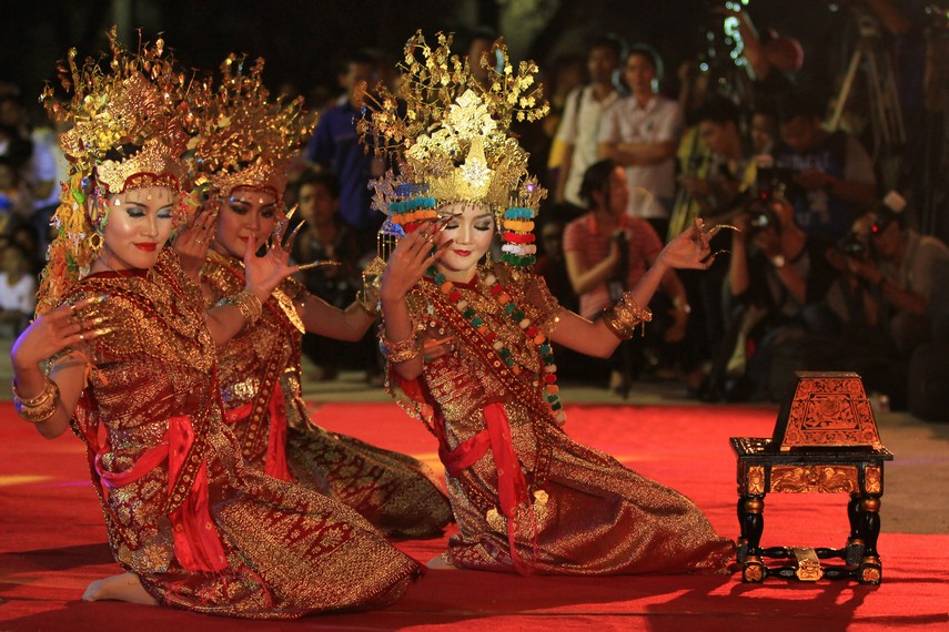 Kini tari Gending Sriwijaya kerap dipentaskan oleh masyarakat Palembang dalam berbagai hajat, seperti pernikahan