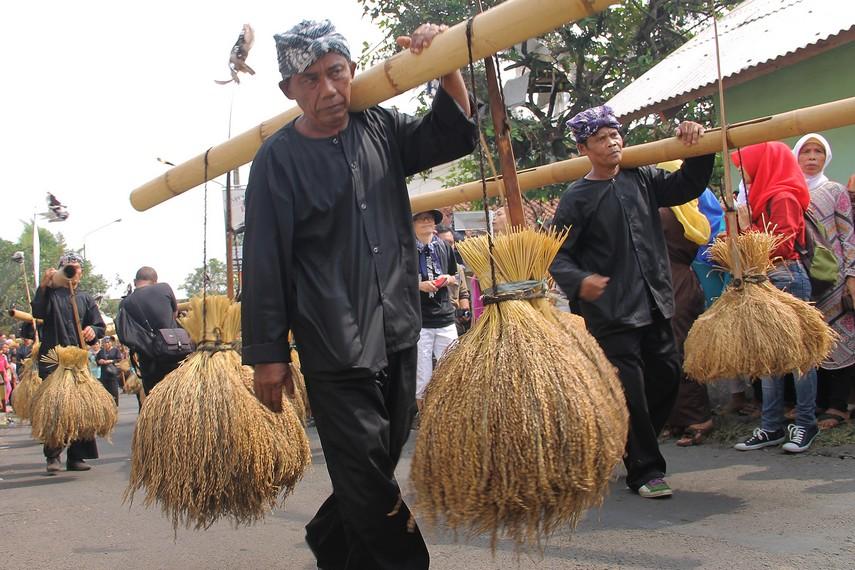 Rengkong menjadi salah satu bagian terpenting dalam helaran dongdang