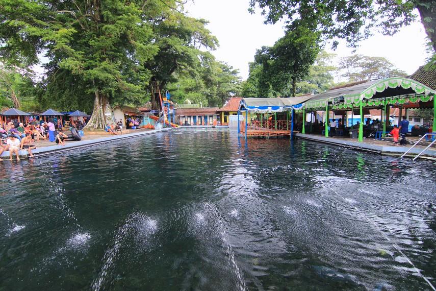 Salah satu kolam di Cibulan yang memiliki kedalaman mulai dari 60 cm hingga 120 cm