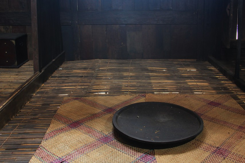 Tampah, salah satu bentuk perkakas rumah yang digunakan masyakarat di Kabupaten Ulu