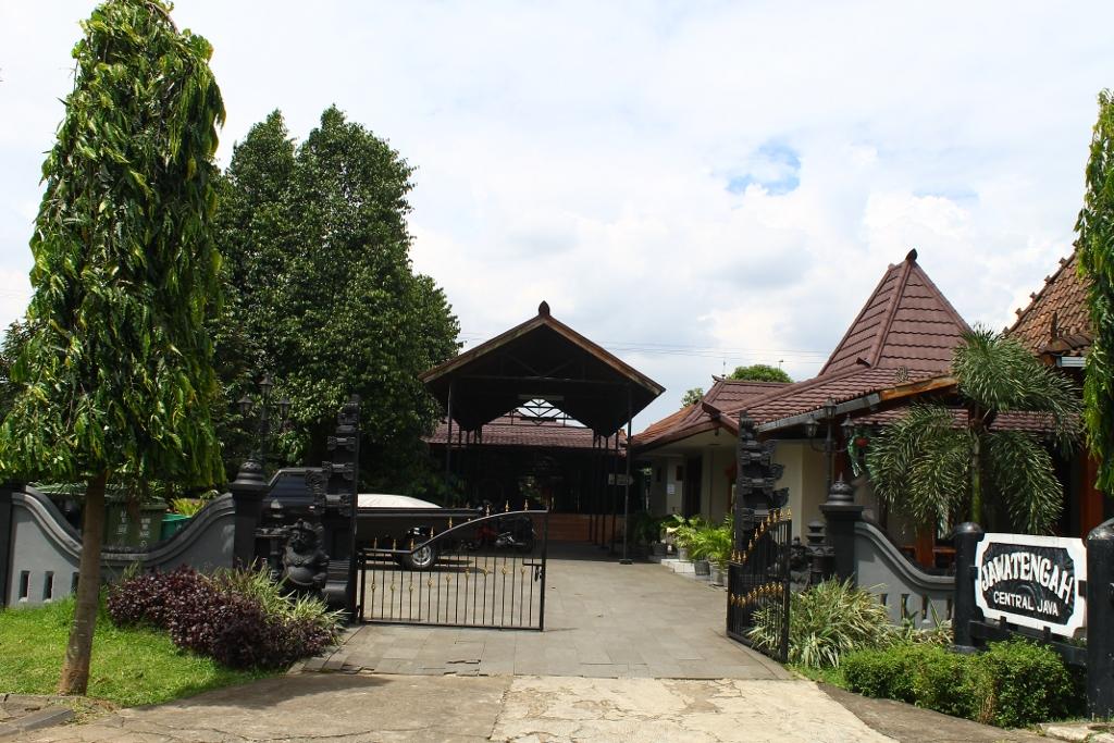 901_thumb_Anjungan_Jawa_Tengah.jpg